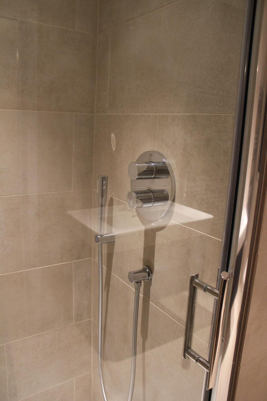 Elite West Ltd Shower Cabin with Glass Doors